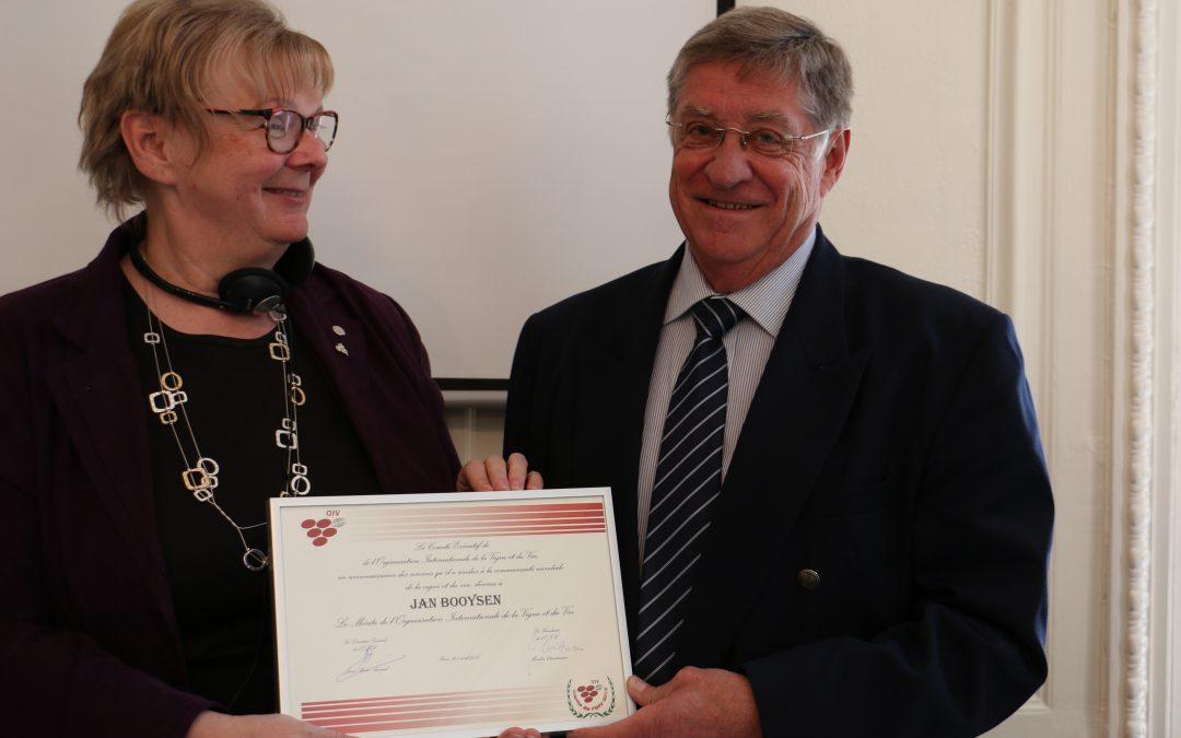 Viticulture legend gets OIV Merit Award