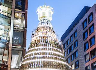 Moët & Chandon Golden Tree opens festive season in dazzling style